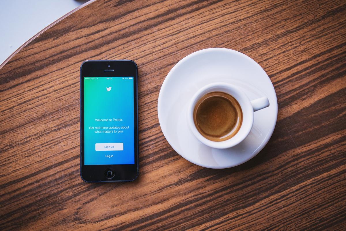 Twitter doit être en ce sens intégrée à une stratégie plus large de content marketing