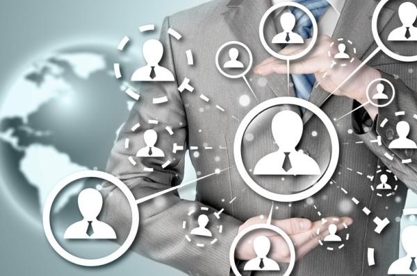 Concentrer nos efforts sur quelques objectifs simples pour trouver et engager des nouveaux clients.